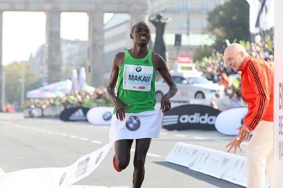 Patrick Makau haciendo historia en el Maratón BMW de Berlín